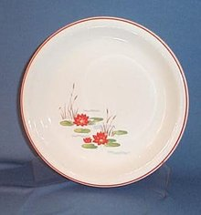 Wheelock Peoria Ovenware Lily Red Line pie plate