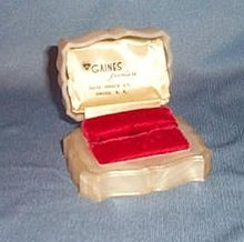 Gaines Jewelers, Jamaica NY early plastic ring box