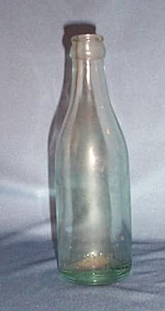 The Ferro Phos Co., Pottstown PA green beverage bottle