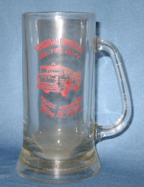 Trumbauersville (PA) Vol. Fire Co. Truck Housing glass mug