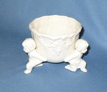 Lefton Renaissance 3573 footed bowl