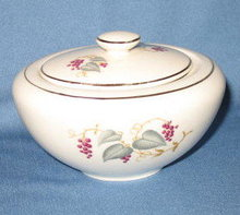 Edwin Knowles Vintage lidded sugar