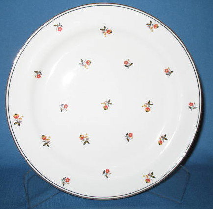 Homer Laughlin Nautilus Cardinal luncheon plate