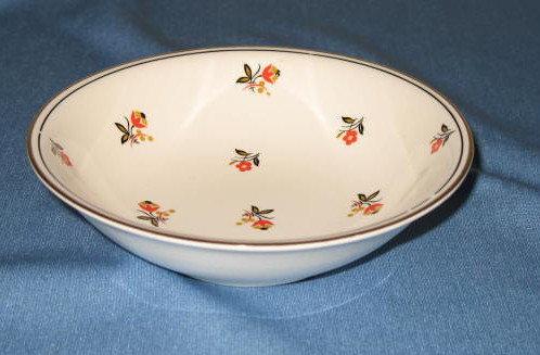 Homer Laughlin Nautilus Cardinal berry bowl