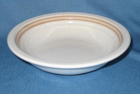 Country Charm Collection Caramel berry bowl