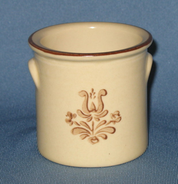 Pfaltzgraff Village brown small handled crock