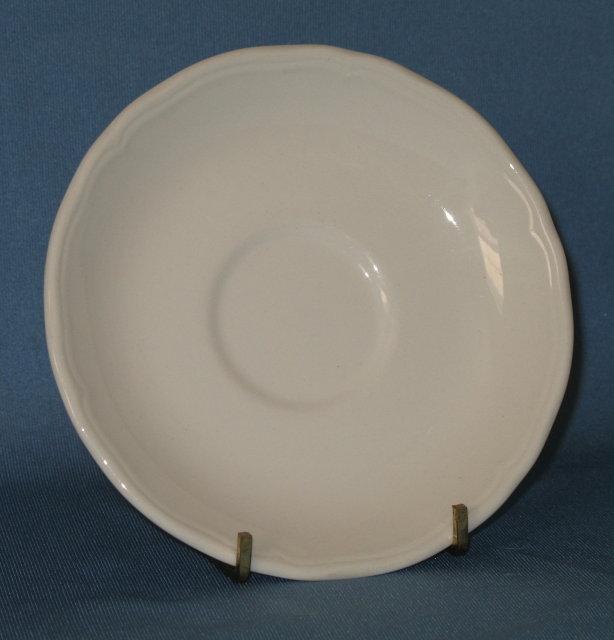 J & G Meakin Heirloom white ironstone saucer