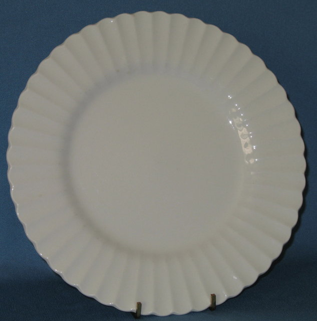 J & G Meakin Classic White dinner plate