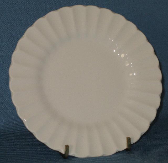 J & G Meakin Classic White bread plate