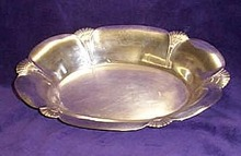 Scalloped edge silver plate vegetable dish
