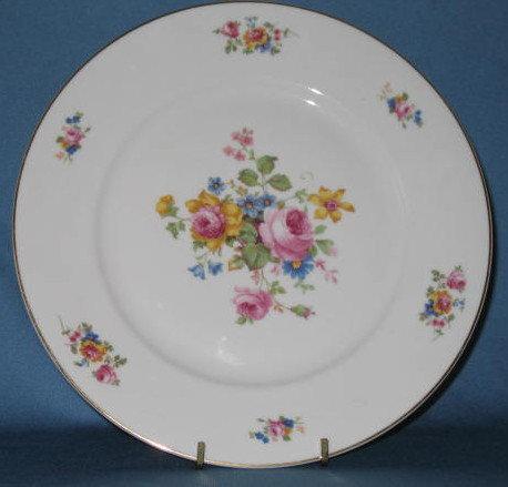 T K Thun Bohemia THU 166 dinner plate