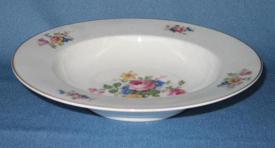 T K Thun Bohemia THU 166 soup bowl