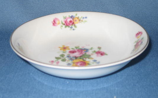 T K Thun Bohemia THU 166  berry/fruit bowl