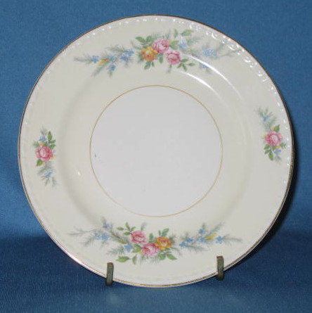 Homer Laughlin Georgian Eggshell Cashmere bread plate