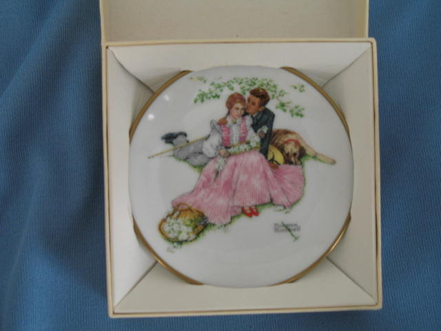Norman Rockwell Four Seasons Miniature Plate #531: Flowers in Tender Bloom