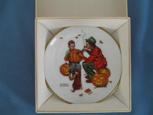 Norman Rockwell Four Seasons Miniature Plate #518: Ghostly Gourds