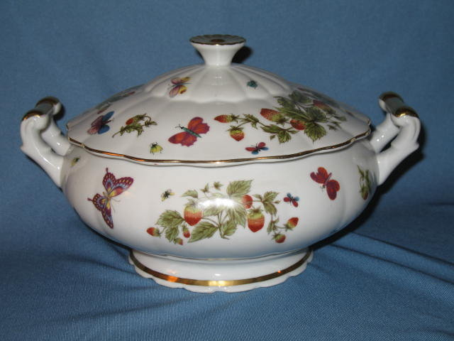 Lenwile Ardault covered round vegetable bowl in a butterfly pattern