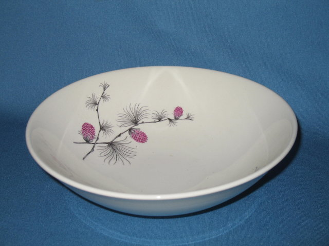 Canonsburg Pottery Wild Clover round vegetable bowl