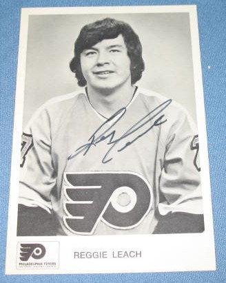 Philadelphia Flyers Reggie Leach autographed picture