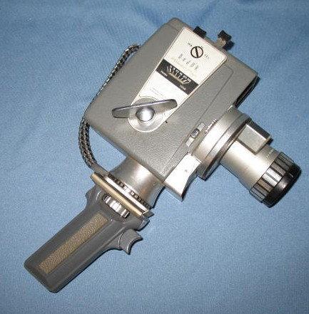 DeJur Electra Power Pan Automatic Eye 325 movie camera