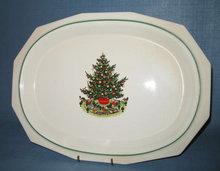 Pfaltzgraff Christmas Heritage oval platter
