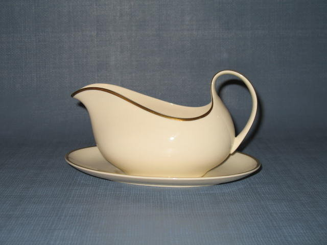 Royal Doulton Heather (gold trim, albion shape) gravy boat and underplate