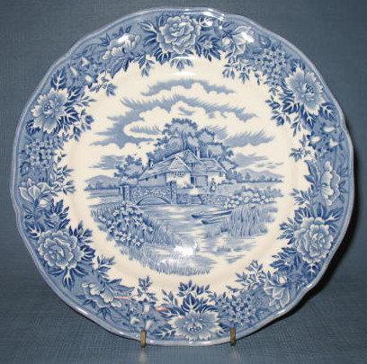 Salem China English Village Olde Staffordshire dinner plate