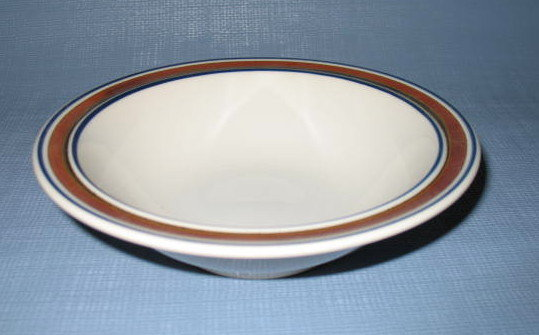 Salem Stoneware fruit/dessert bowl
