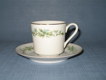 Creative Manor Garlands of Glory cup and saucer
