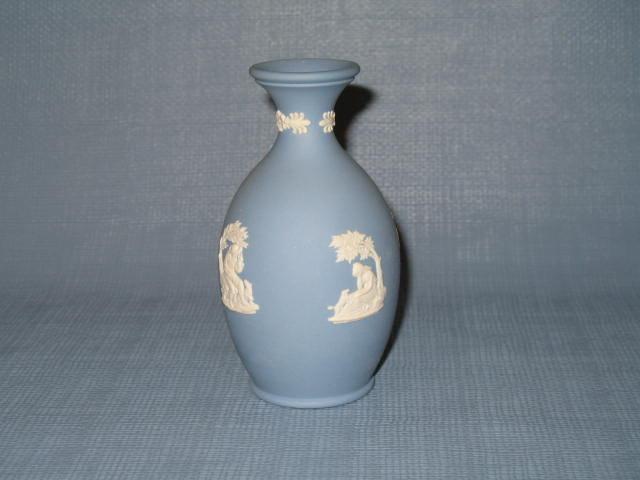 Wedgwood blue Jasperware bulbous bud vase
