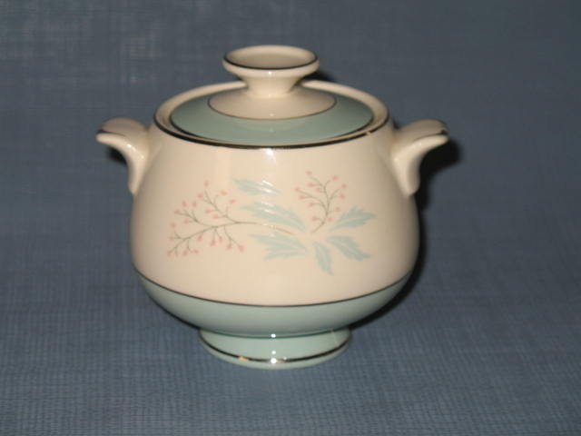 Homer Laughlin Romance sugar bowl and lid
