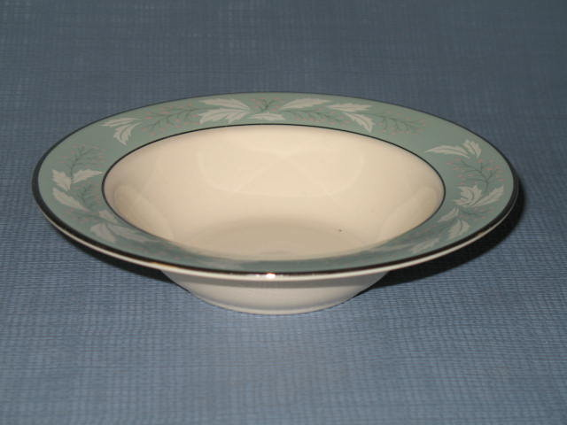 Homer Laughlin Romance rimmed fruit/dessert bowl