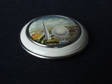 Deco Powder Compact New York Worlds Fair