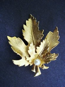 Double Golden Leaf Brooch by Giovanni Pearl Pin Broach Gift Holiday