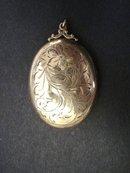 Beautiful Antique Gold Locket - Art Nouveau Victorian Style