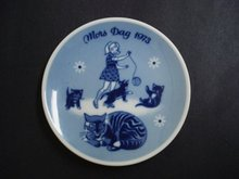 1973 Mothers Day Plate - Girl And Cats