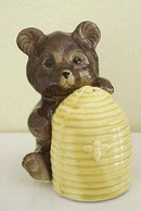 Great Figural Salt and Pepper Shaker Set  Adorable