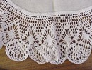 Linen Centre Piece - Wide Lace Border