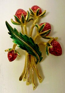 Very Pretty Marcel Boucher Pin Brooch