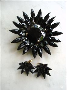 1940s Black Jet Brooch and  Matching Earrings - Uncommon - Large Brooch