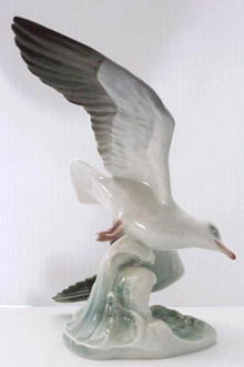 Signed ROSENTHAL Sculpture SEA GULL