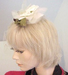 30 Organdy White Rose with Net HAT