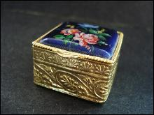 Tiny Enamel Pill Box  - Square - Floral design - Gold Tone