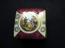Vintage Hinged Ring Box Courting Couple Imari Colors Gold Decorations and Beading
