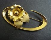 Precious Brooch Golden Carnation Perfect Gift Gold Tone