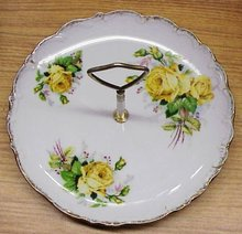 VINTAGE CAKE SERVING PLATTER - YELLOW ROSES