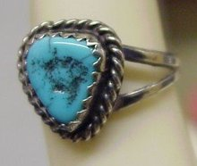 VERY PRETTY STERLING TURQUOISE RING