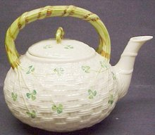 LOVELY IRISH BELLEEK KETTLE