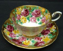 TUSCAN CUP & SAUCER LUSH ROSES