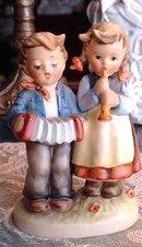 M.J.HUMMEL DOUBLE FIGURINE - BOY&GIRL
